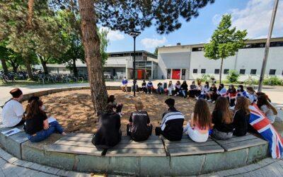 "10b absolviert ""Poetry Slam Workshop"" mit Leticia Wahl"